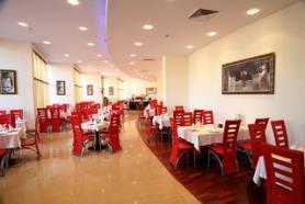 Bulharský hotel Calypso s restaurací