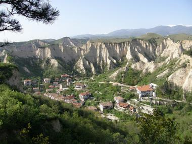 Městečko Melnik a unikátní pískovcové skály